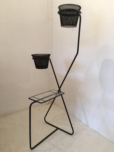 Mathieu MATÉGOT (1910-2001) - vers 1950 Porte plantes à deux pots