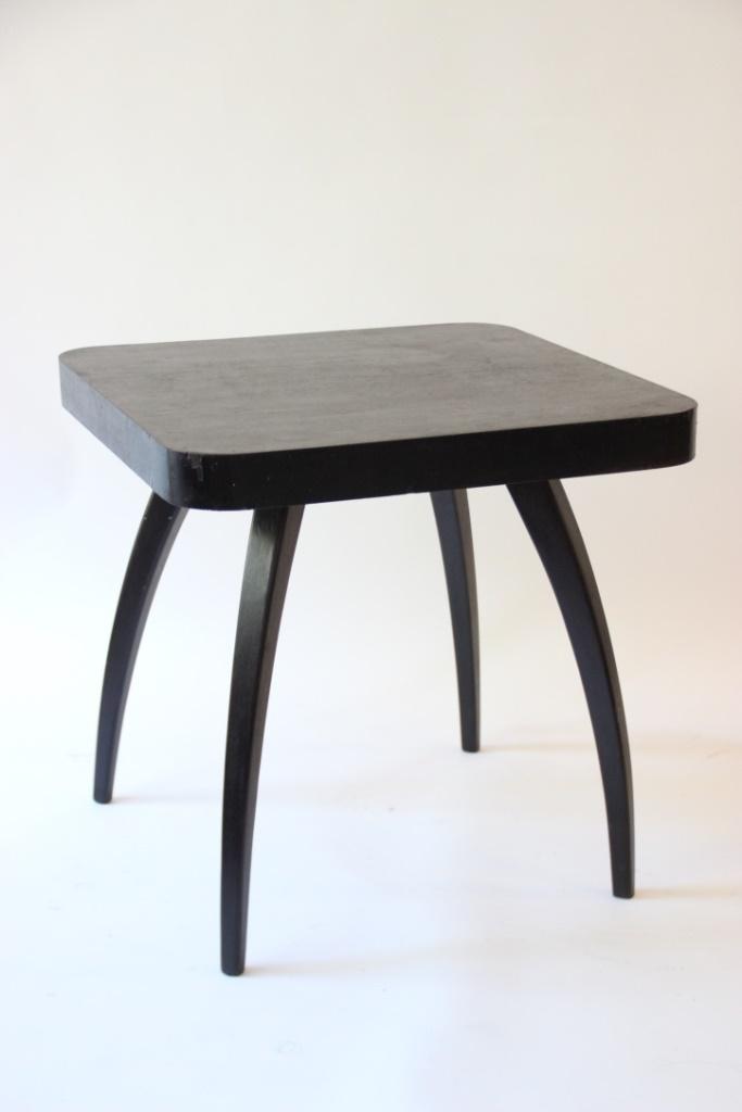Jindrich HALABALA (1903-1978)  Table d'appoint en bois laqué noir, modèle « H 259 ».