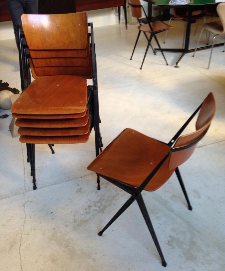 Wim RIETVELD (1924-1985) - vers 1965 - Edition DE CIRKEL Suite de 6 chaises modèle