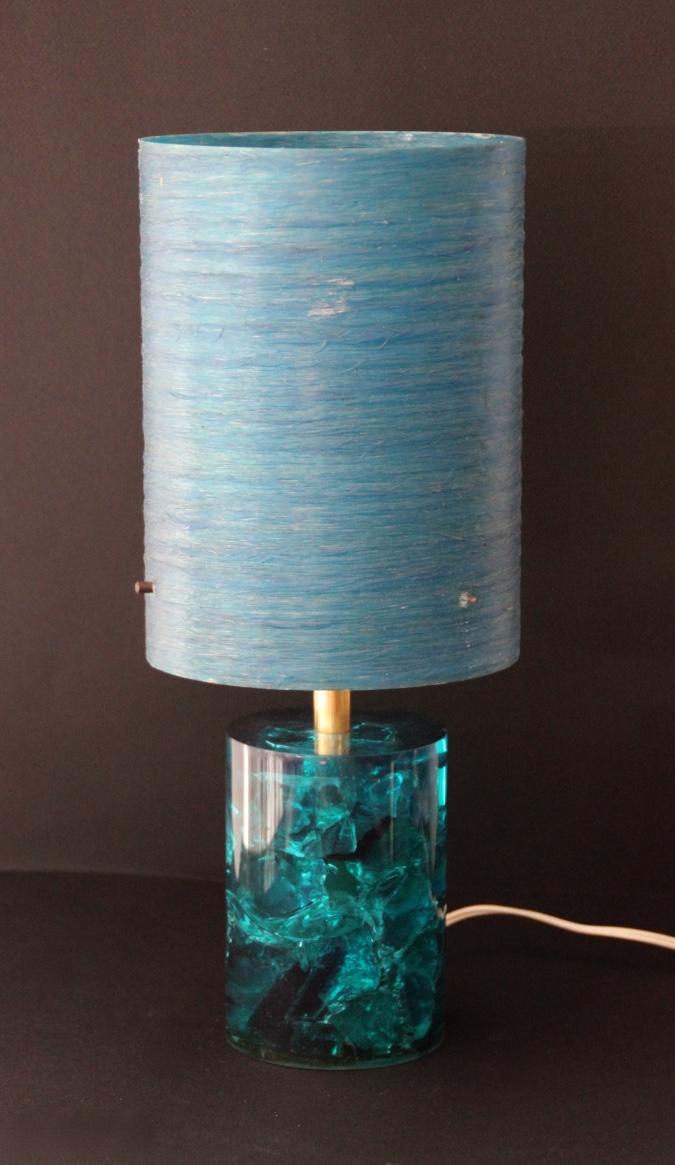 Pierre GIRAUDON (1923-2012) Lampe en résine fractale bleue et métal