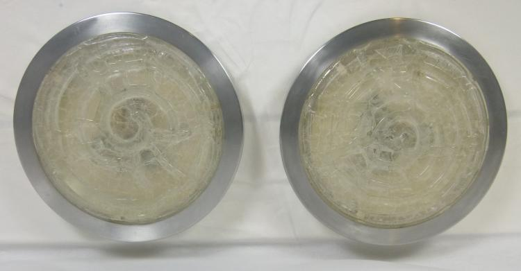 Travail italien vers 1970  Paire d'appliques circulaires en aluminium