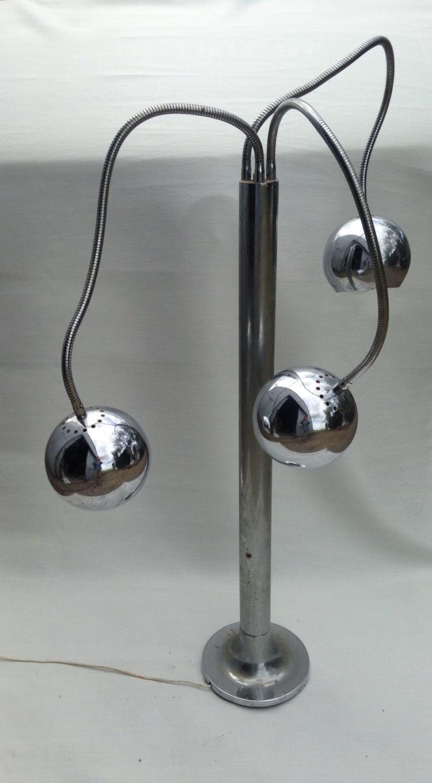 Pierre FOLIE (1938) - vers 1970 Lampadaire à trois flexibles en métal chromé