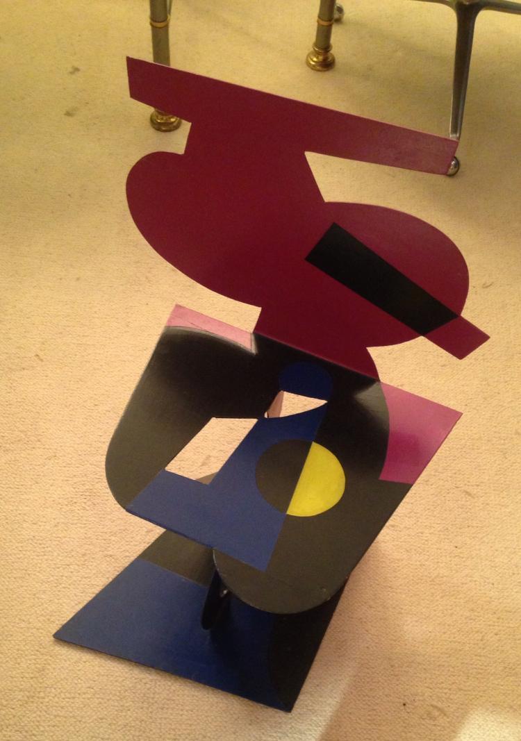 Alessandro GUERRIERO (1943)- 1991 Bureau et chaise - pièce unique, en métal découpé et peint