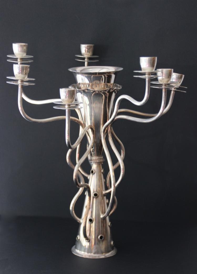 Borek SIPEK (né en 1949) - DRIADE - vers 2000  Chandelier à sept branches, modèle « Simon » en métal argenté.