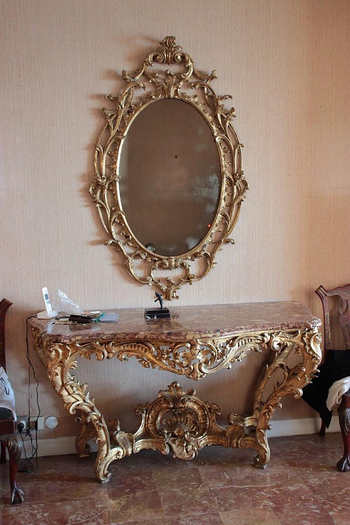 Grand miroir ovale en bois sculpte et dore a decor ajoure de # Grand Fagot De Bois Decoration