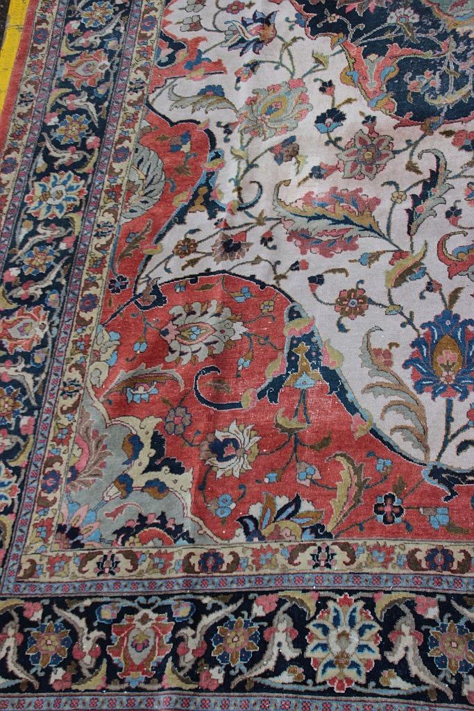 Grand tapis oriental en laine rouge bleu et beige decor kas - Tapis beige et rouge ...
