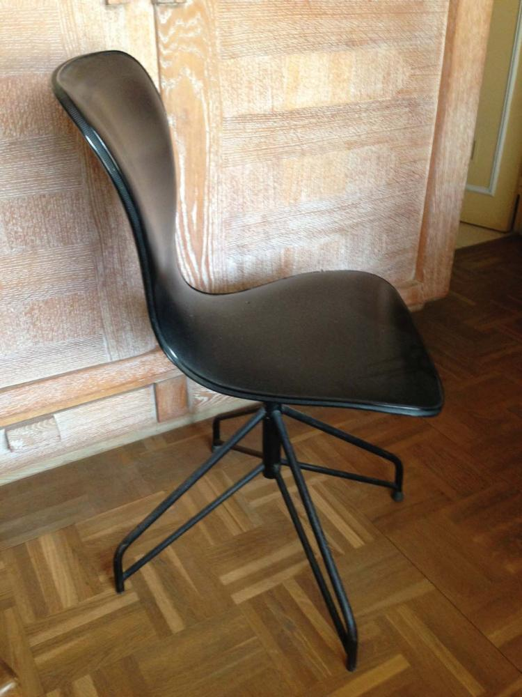 Anonyme annees 80 chaise de bureau pivotante a assise et do for Chaise annee 80