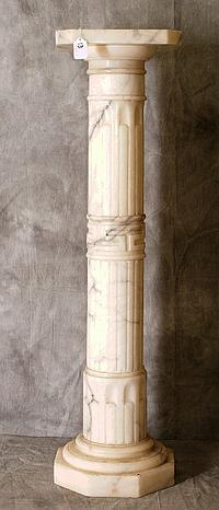Marble pedestal. H:39