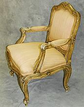 Antique French arm chair. H:37