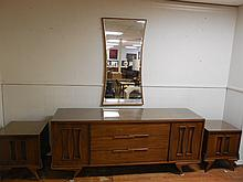 5pc Stratford House Mid Century Bedroom Set