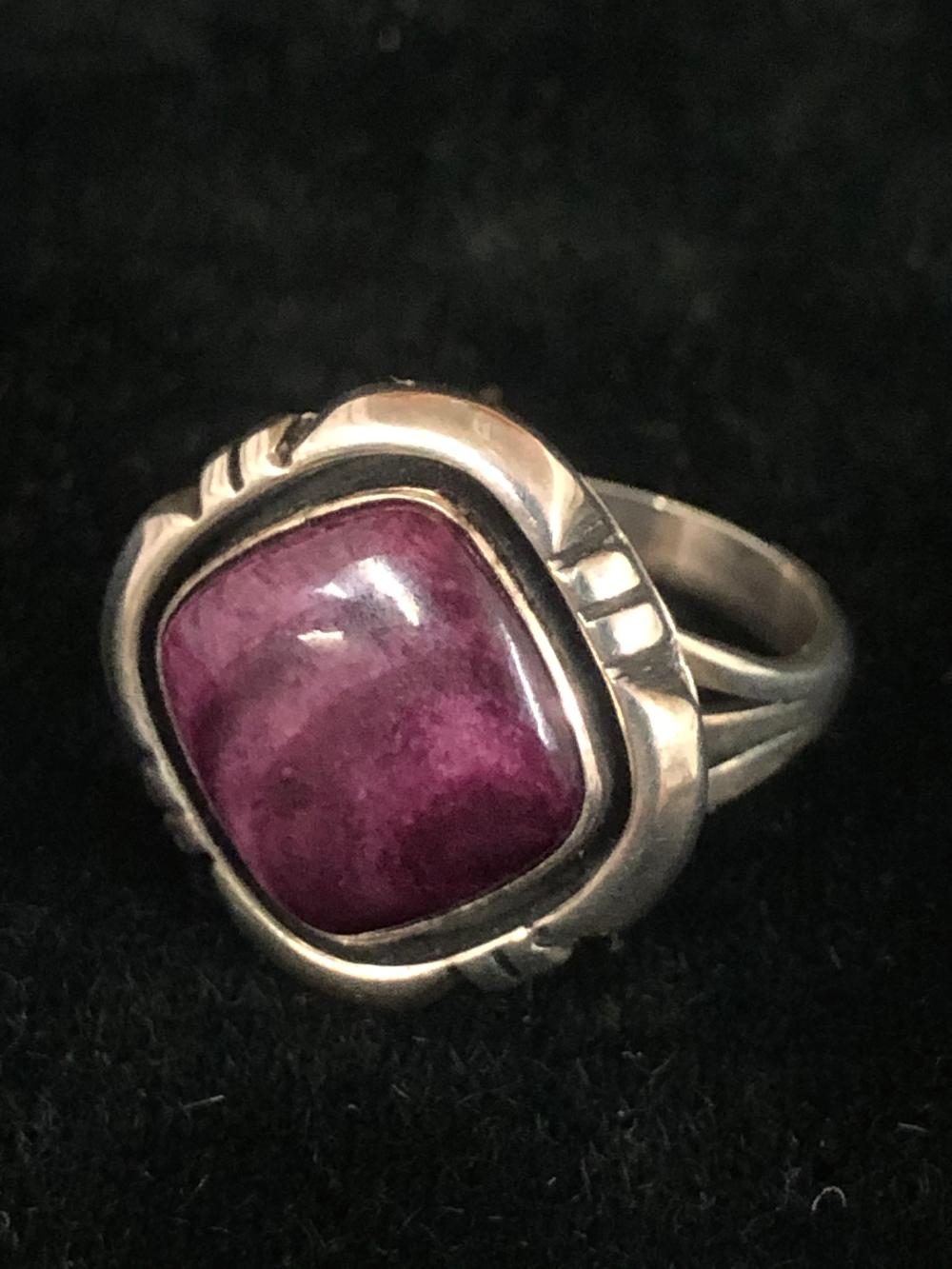 Purple spiny oyster sterling silver ring