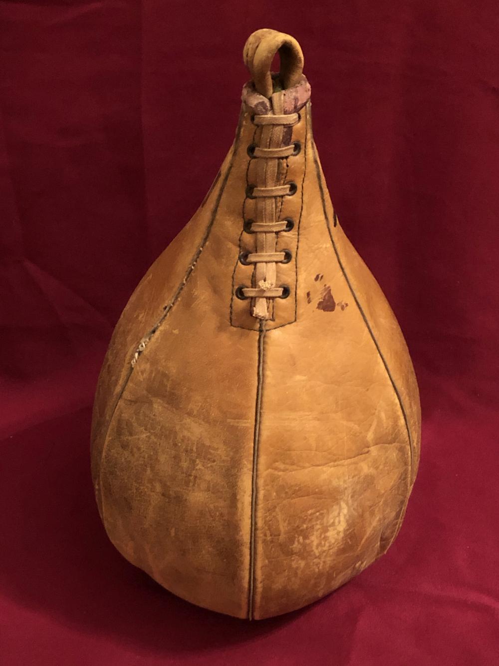 Vintage Everlast leather punching/boxing bag