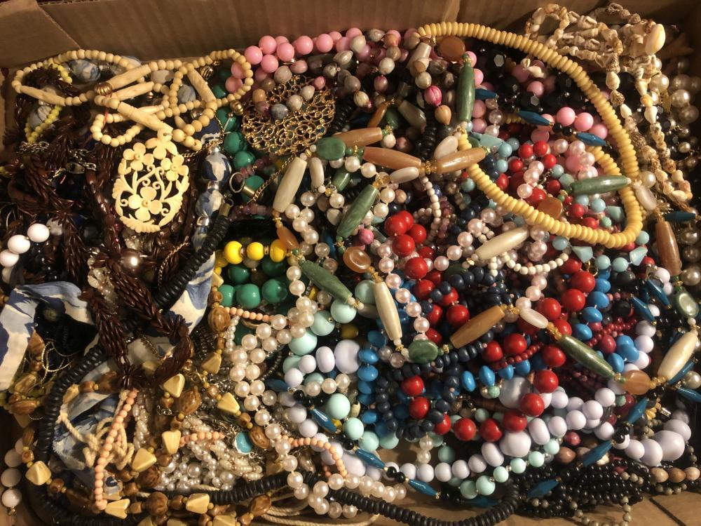 Vintage & costume jewelry