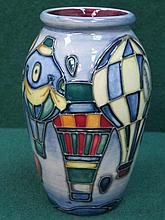MOORCROFT 'BALLOONS' CERAMIC VASE (SECOND), APPROXIMATELY 11cm HIGH