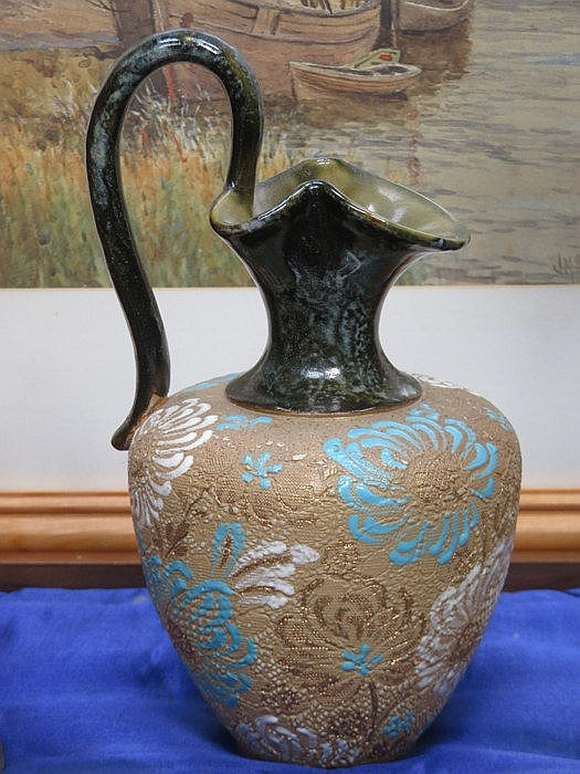 DOULTON LAMBETH FLORAL DECORATED CERAMIC JUG, APPROXIMATELY 22cm HIGH