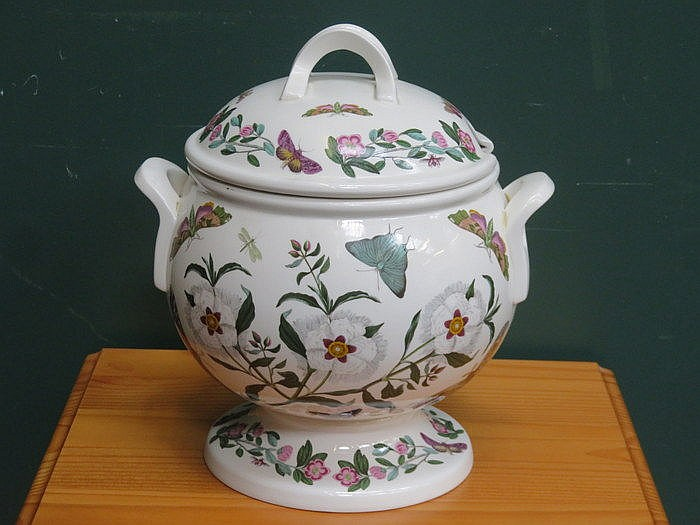 PORTMEIRION THE BOTANIC GARDEN STEMMED SOUP TUREEN WITH COVER