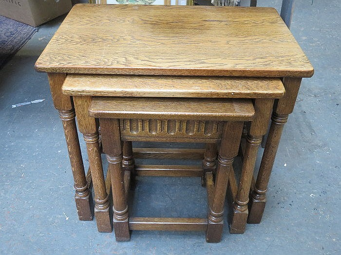 PRIORY STYLE OAK NEST OF THREE TABLES