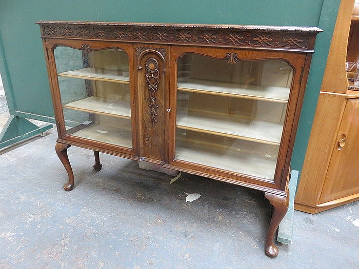 CARVED MAHOGANY DISPLAY CABINET WITH CABRIOLE SUPPORTS