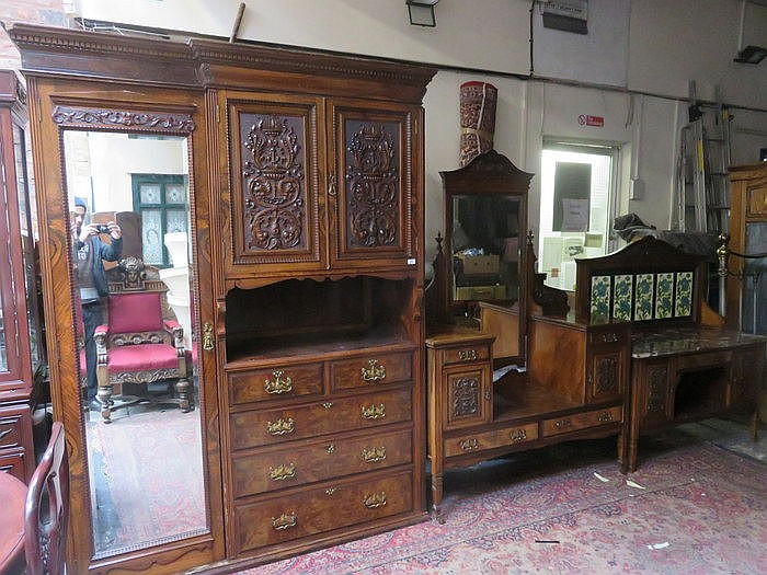 GOOD QUALITY CARVED MAHOGANY COMBINATION WARDROBE, DRESSING TABLE, MARBLE T