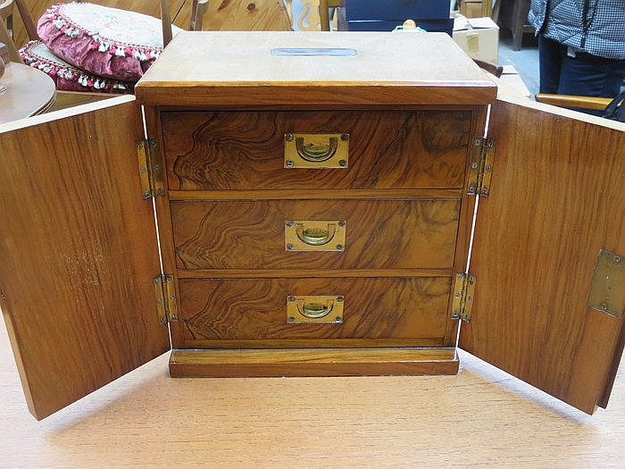 INLAID WALNUT TWO DOOR CABINET WITH NICELY FITTED FLIGHT OF THREE DRAWERS