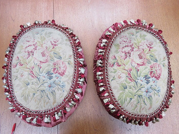 PAIR OF FRENCH STYLE OVAL CUSHIONS DECORATED WITH FLORAL TAPESTRY AND CRUSH