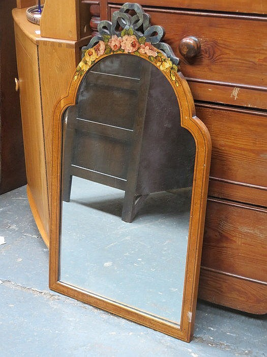 PRETTY FLORAL DECORATED ANTIQUE WALL MIRROR