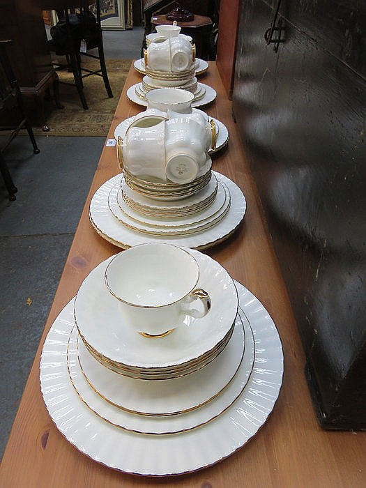 PARCEL OF ROYAL ALBERT VALDOR DINNERWARE, APPROXIMATELY SIXTY-PLUS PIECES
