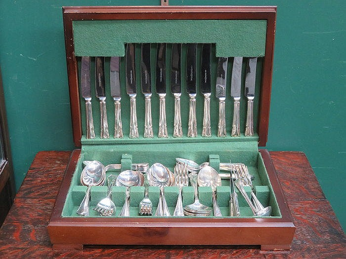 PART CANTEEN OF SILVER PLATED CUTLERY