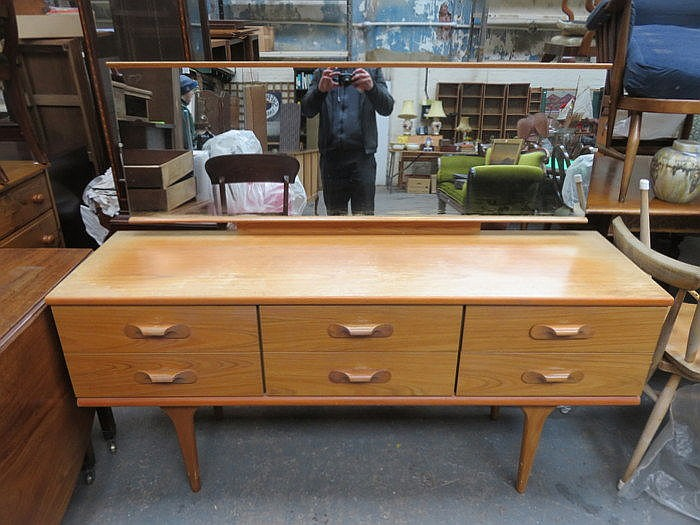 G PLAN STYLE DRESSING TABLE