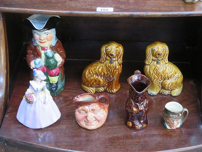 MIXED LOT OF CERAMICS INCLUDING TOBY JUGS, DOULTON JUG, SPANIELS (AT FAULT)