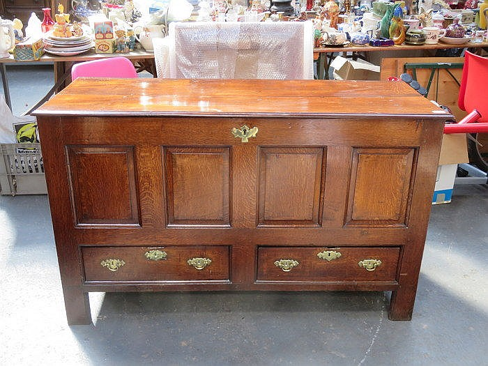 ANTIQUE PANELLED OAK COFFER FITTED WITH TWO DRAWERS