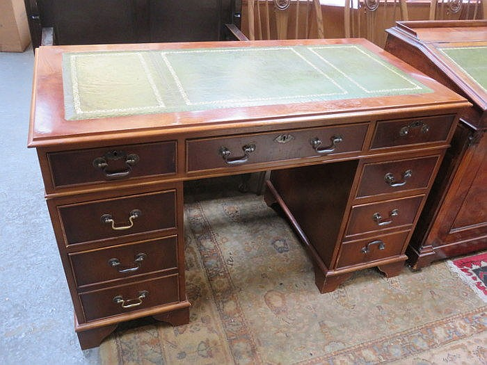 REPRODUCTION LEATHER TOPPED PEDESTAL WRITING DESK