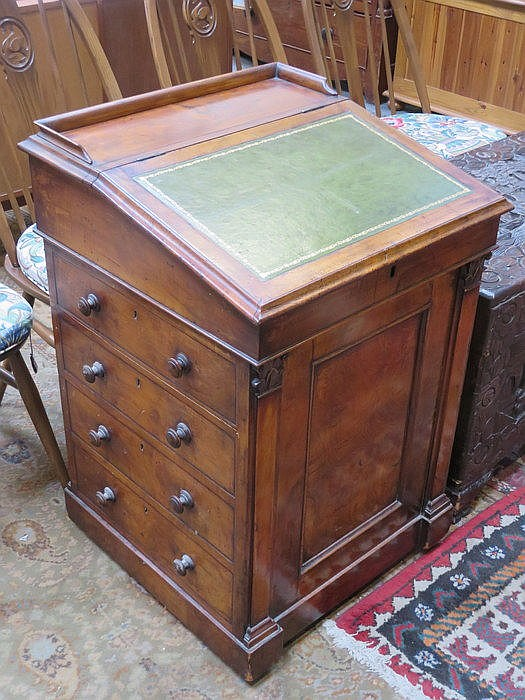 WALNUT DAVENPORT WRITING DESK FITTED WITH DRAWERS TO SIDE, SLIDING TOP AND
