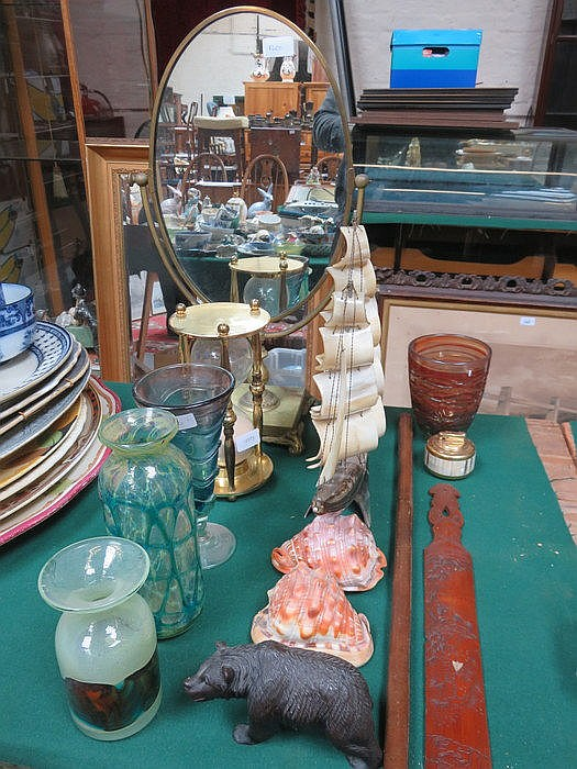 SWING MIRROR AND EGG TIMER PLUS VARIOUS COLOURED GLASSWARE, HORN GALLEON, B