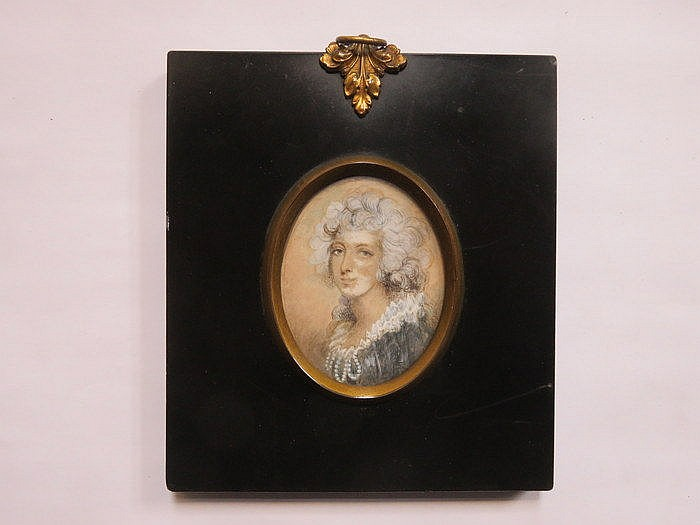 EBONISED OVAL MINIATURE PORTRAIT OF A LADY