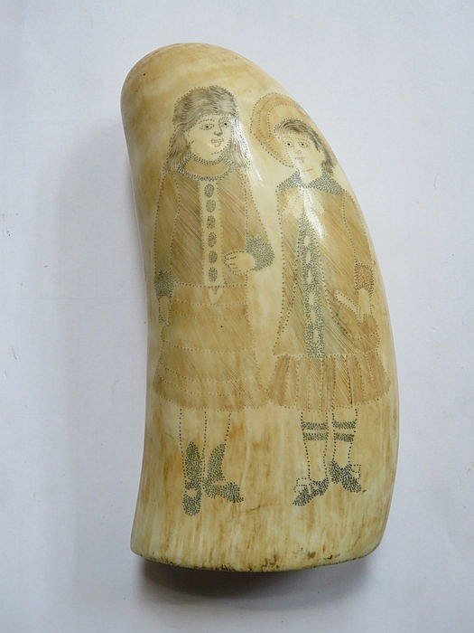 CARVED ANTIQUE SCRIMSHAW WHALE'S TOOTH