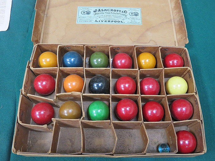 ORIGINAL BOX CONTAINING 19th CENTURY IVORY BILLIARD BALLS, APPROXIMATELY NI