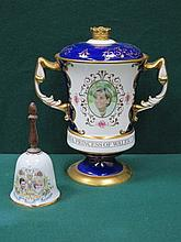 AYNSLEY HEAVILY GILDED TWO HANDLED URN WITH COVER COMMEMORATING THE LIFE OF