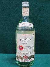 BOTTLE OF VINTAGE UNOPENED RON BACARDI SUPERIOR PUERTO RICAN RUM, WITH STAM