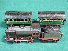 1930s O GAUGE MARKLIN ELECTRIC 0-4-0 TENDER ENGINE WITH TWO CARRIAGES, PROB