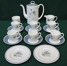 WEDGWOOD SUSIE COOPER DESIGN GLENMIST FIFTEEN PIECE COFFEE SET AND FOUR ADDITIONAL SUSIE COOPER SIDE PLATES