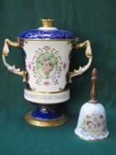 AYNSLEY HEAVILY GILDED TWO HANDLED URN WITH COVER