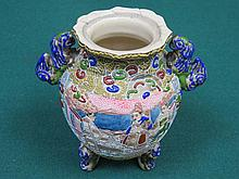 HANDPAINTED JAPANESE POTTERY KORO JAR DECORATED WITH ORIENTAL FIGURES, APPROXIMATELY 16cm HIGH (AT FAULT)
