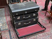 VINTAGE BREXTON CASE CONTAINING THREE TRAVEL CASES