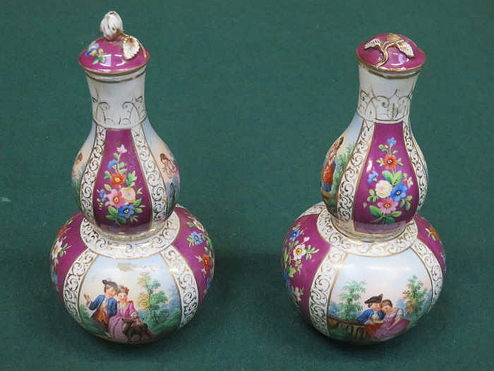 PAIR OF CONTINENTAL STYLE HANDPAINTED AND GILDED DOUBLE GOURD VASES AND COV