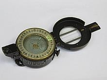 WORLD WAR II MARK III FIELD COMPASS BY TG CO LIMITED, LONDON, DATED 1945