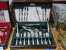 CASED CANTEEN OF COMMUNITY PLATE FLATWARE