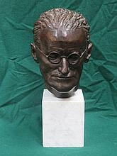 BRIAN KING BRONZE BUST DEPICTING JAMES JOYCE ON WHITE MARBLE PLINTH, SIGNED