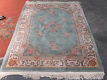 MODERN FLORAL DECORATED CHINESE FLOOR RUG, APPROXIMATELY 140cm x 200cm