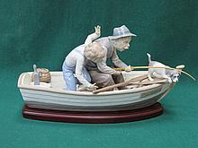 LLADRO GLAZED CERAMIC FIGURE GROUP - FISHING WITH GRAMPS ON WOODEN PLINTH NO 5215
